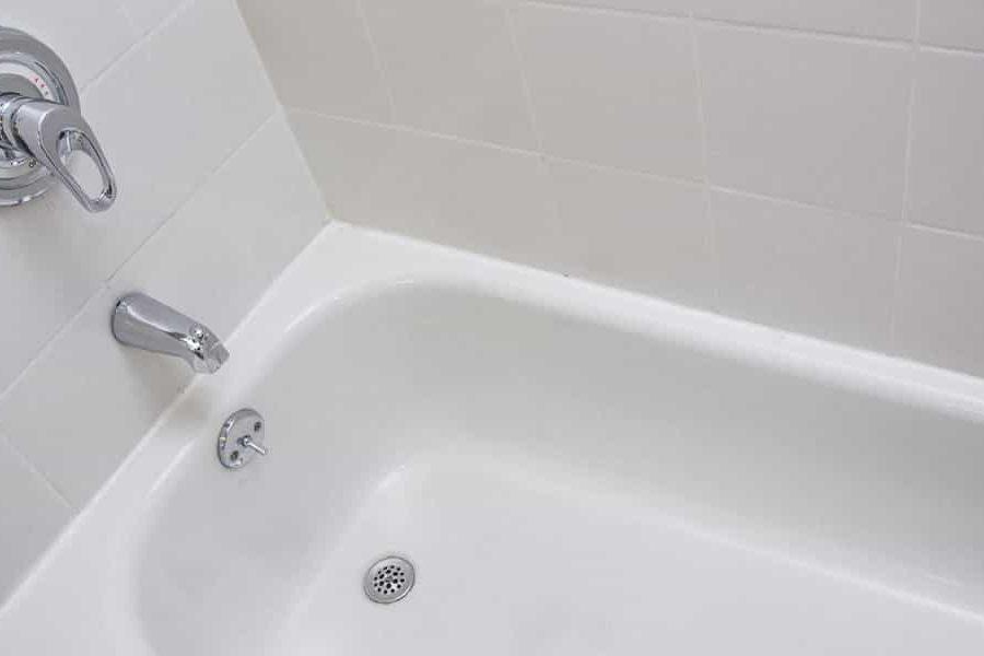 Fuite de baignoire : 4 solutions ultimes !
