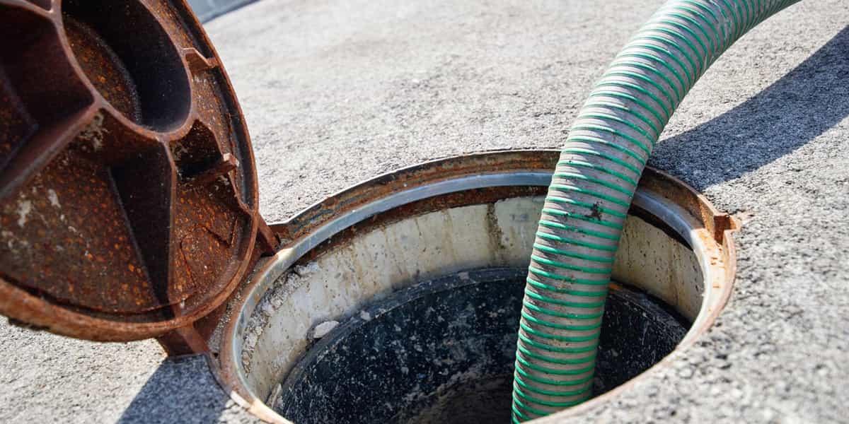 Bouchon dégout et blocage du réseau d'écoulement des eaux usées