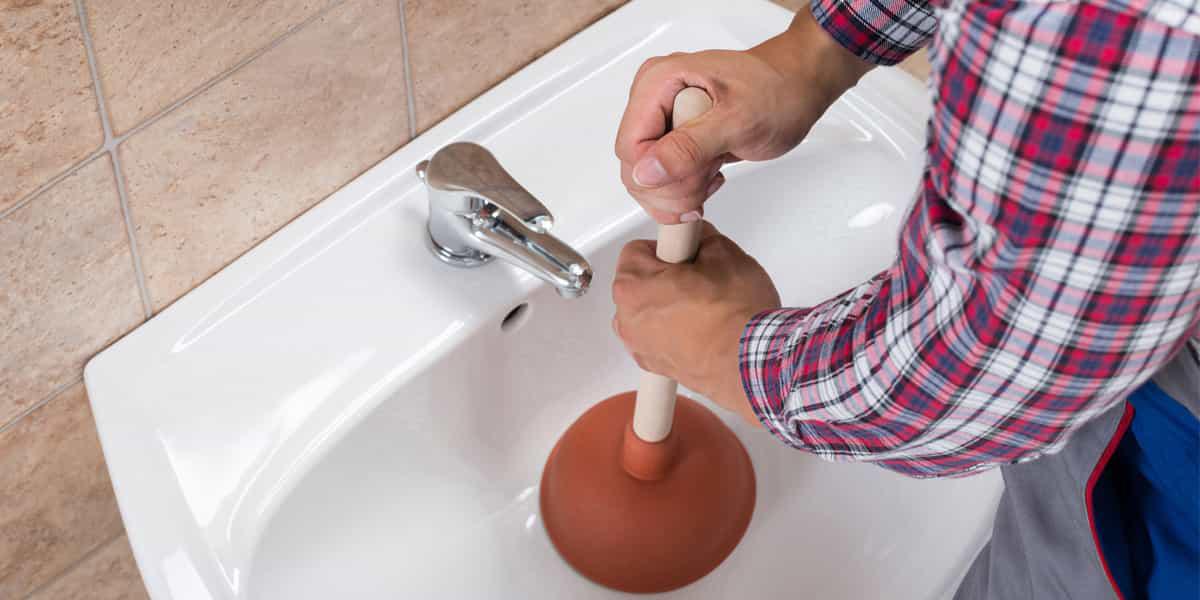 Choisissez Allo Dépanne pour un débouchage lavabo Seine-Saint-Denis 93 express