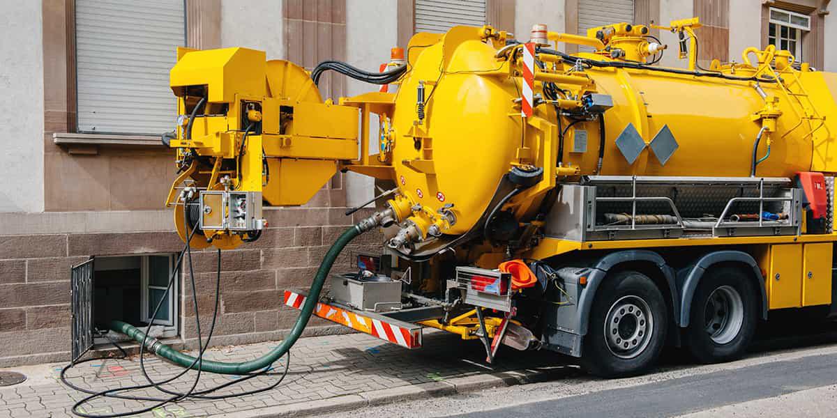 Débouchage haute pression camion hydrocureur