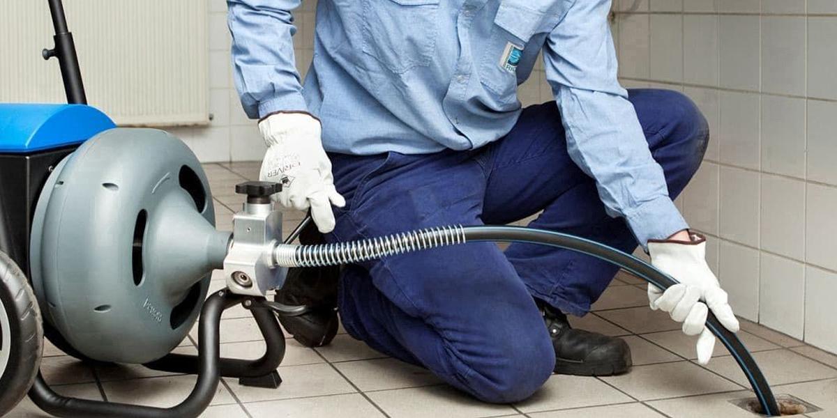 Déboucheur canalisation Antibes pour des travaux en urgence