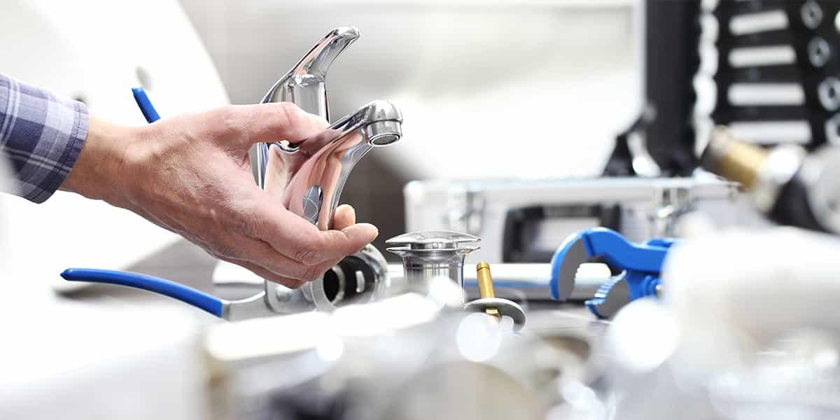 Installation plomberie Paris : un changement robinet aussi rapide qu'efficace