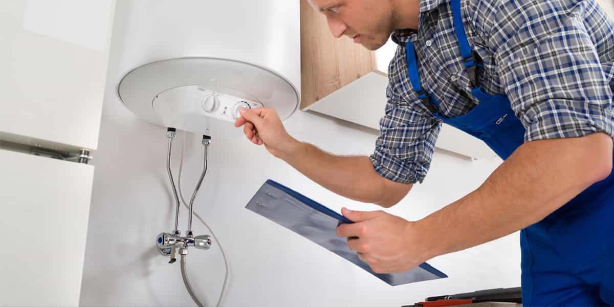 Réparation de chauffe-eau : jamais seul !