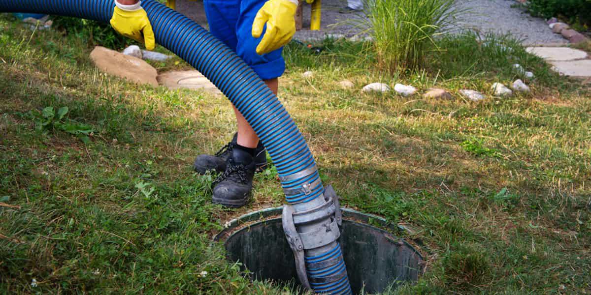 Vidange fosse toutes eaux : obligation sanitaire française