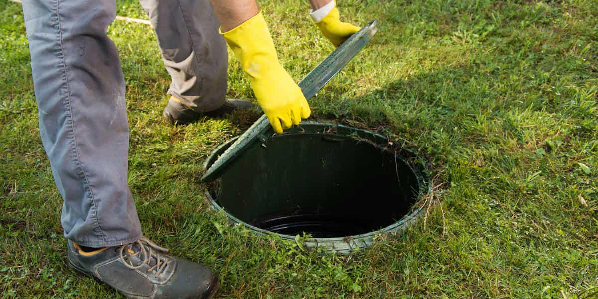 Les risques liés à une fosse toutes eaux mal entretenue