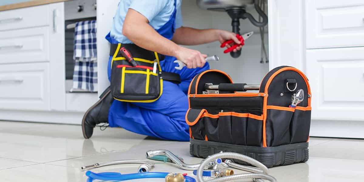 SOS plombier, le service d'urgence plomberie d'Allo Dépanne