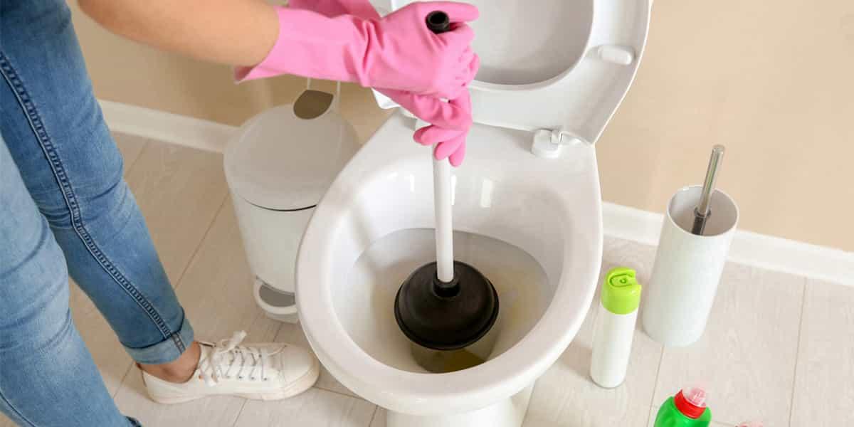 Comment déboucher WC ?