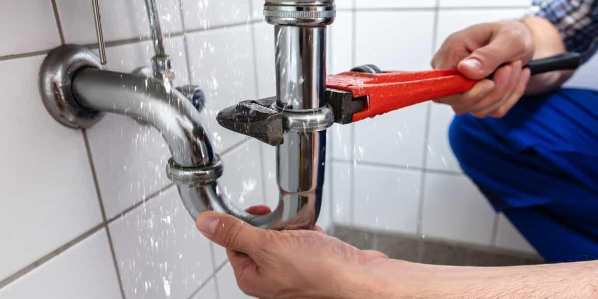 Un plombier Paris 3 expert en recherche de fuite et réparation fuite d'eau