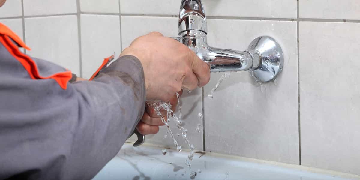 Réparation fuite baignoire d'urgence ou fuite douche d'urgence