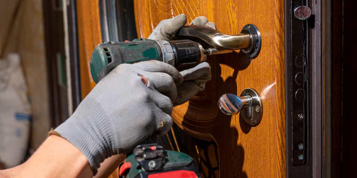 Réparation de porte qui accroche par des spécialistes